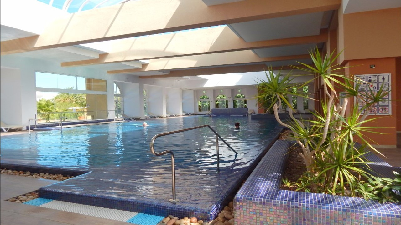 piscine du royal kent hotel thalasso
