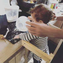 Cuisiner avec un enfant de moins de 2 ans