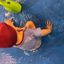 que faire a la piscine avec bébé : la patouille