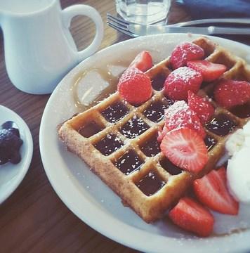 waffle plus ice cream