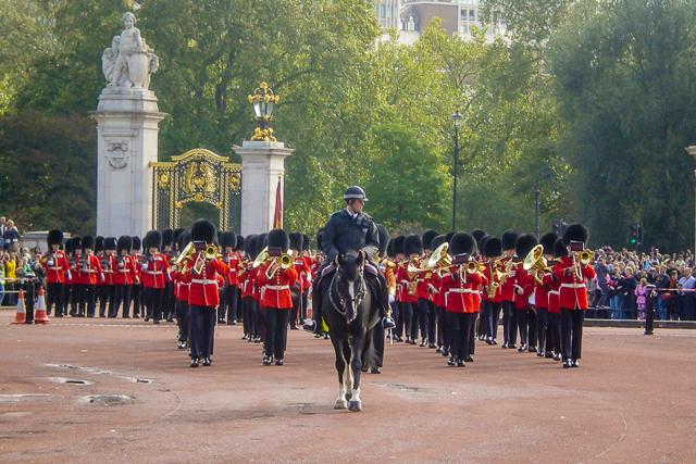 A troca da garda britânica no Palácio de Buckingham em Londres