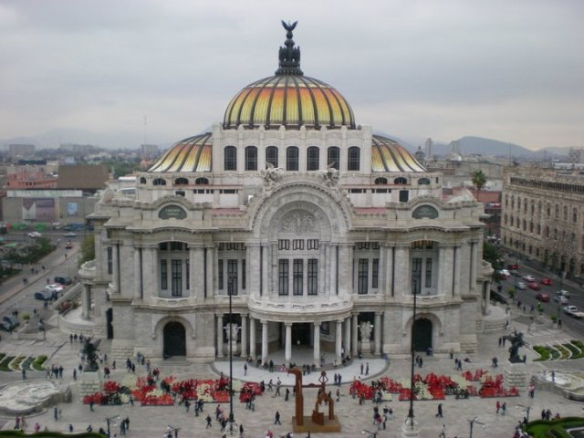 The beautiful Palacio de las Bellas Artes in Mexico Xity