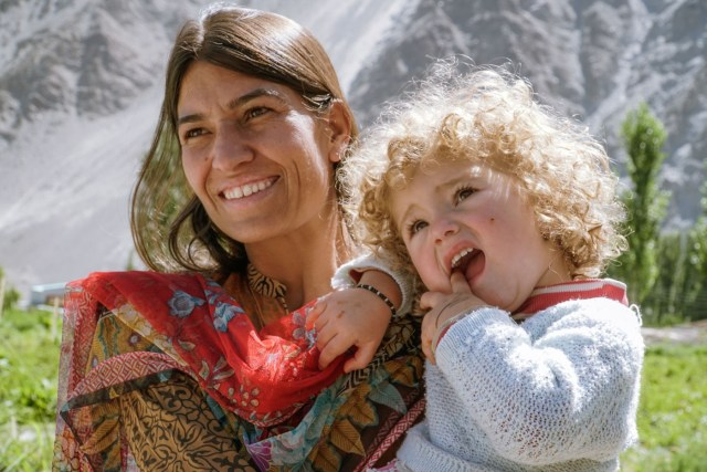mother and daughter in Hunza