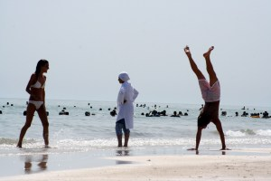 exercise-by-the-sea-1555326