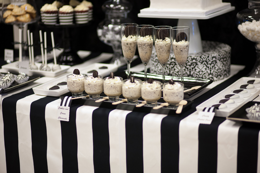 Black And White Dessert Table 187 Mondeliceblog Com