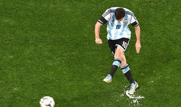 L'Argentina in finale dopo i calci di rigore. Fuori l'Olanda.