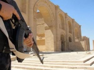 Le patrimoine mondial et les guerres: La destruction de Hatra et de Nimrud