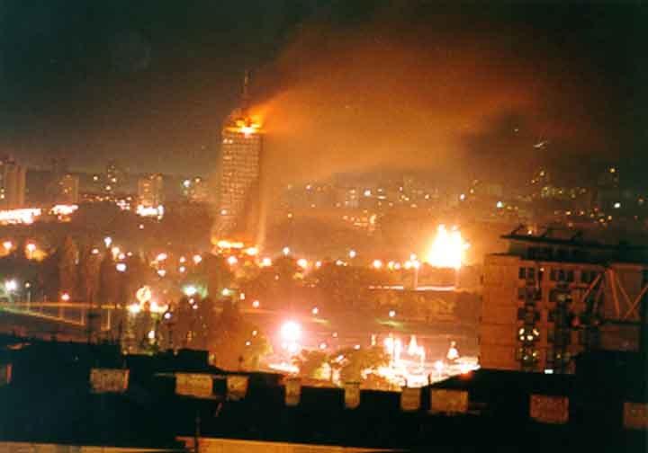 """Résultat de recherche d'images pour """"bombardements serbie 1999"""""""