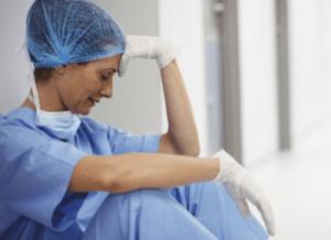 Super COVID-19 ou pas, la vie d'une infirmière était déjà l'enfer. Merci pour quoi au juste?