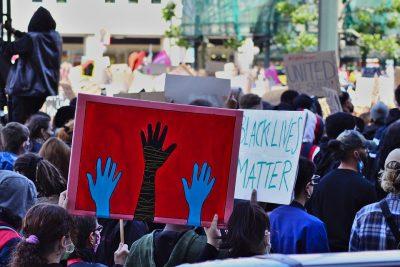 Réflexion sur le mouvement Black Lives Matter: Se souvenir des figures historiques pour des luttes fécondes