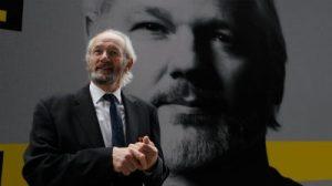 Des témoins expliquent qu'Assange risque la prison à vie dans un procès à motivation politique