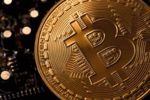 Le bitcoin atteint plus de 50 000 dollars à Wall Street