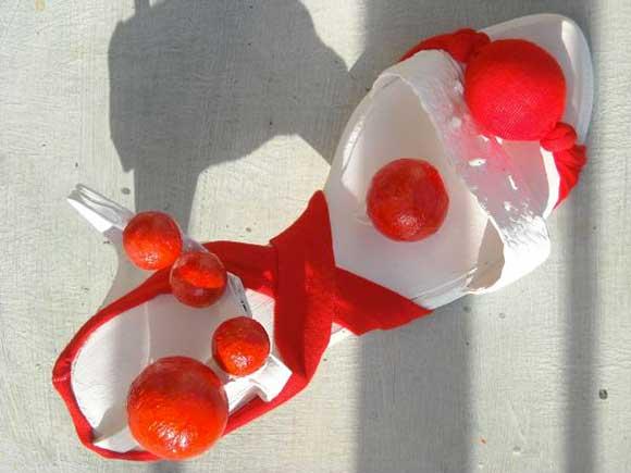 scarpe fatte con i pomodori