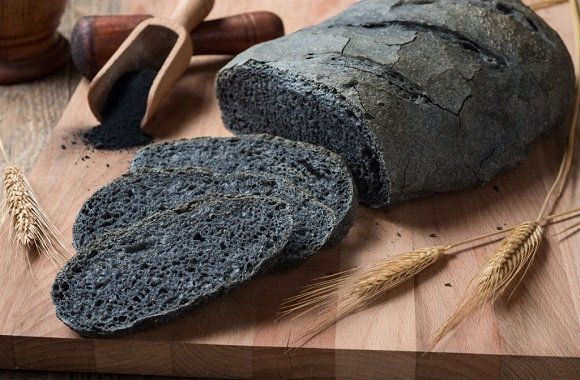 carbone vegetale-pane nero