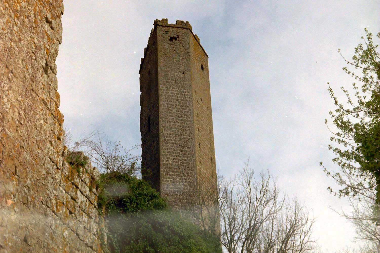 fotografia su pellicola 35mm torre di pasolini