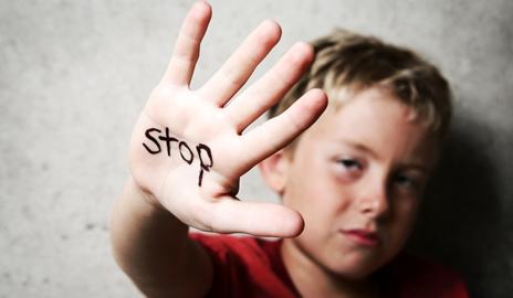 Bambini maltrattati maltrattamento