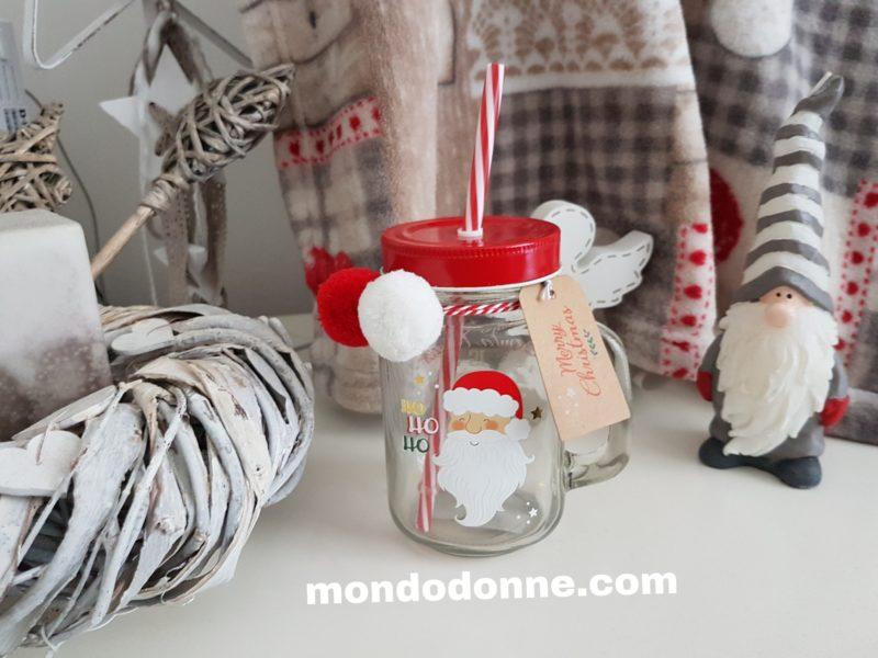 Decorazioni di Natale in rosso, tradizione ispirazione