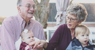 Festa dei nonni 2020: scarica biglietto d'auguri