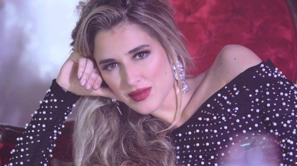 """JULIA LIROS, DA OGGI IN RADIO IL BRANO """"ME GUSTAN DOS"""""""