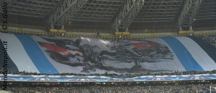 Napoli - Real Madrid coreografia tifosi