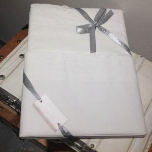 L'Atelier 17 Lenzuolo bianco matrimoniale bordato in pizzo bianco