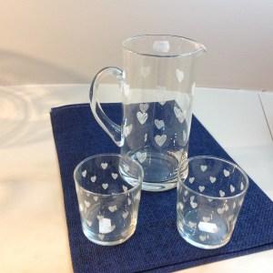 brocca e bicchieri