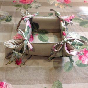 Brandani Cestino imbottito in cotone con fiocchi righe e peonie