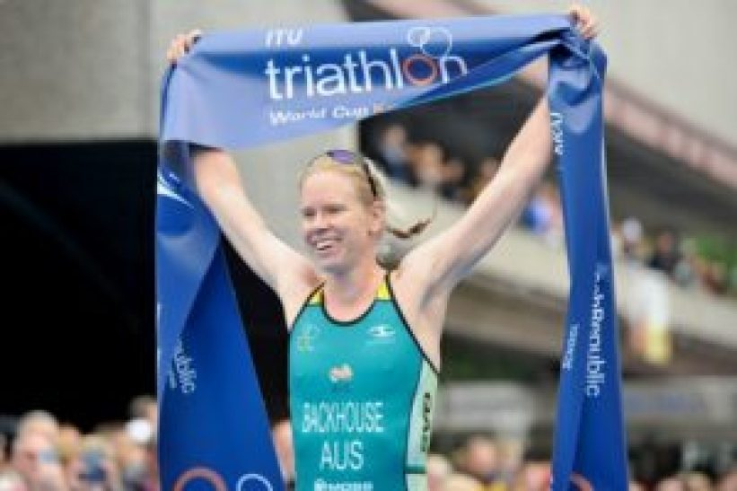 L'australiana GillianBackhouse vince la Karlovy Vary ITU Triathlon World Cup 2017 (Foto ©ITU Media / Janos Schmidt)