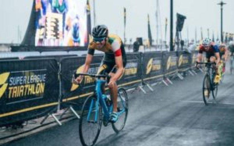 Alessandro Fabian entra nella top ten della Super League Triathlon Jersey Island, classificandosi nono (Foto ©Googsi Creative / The Studio M)