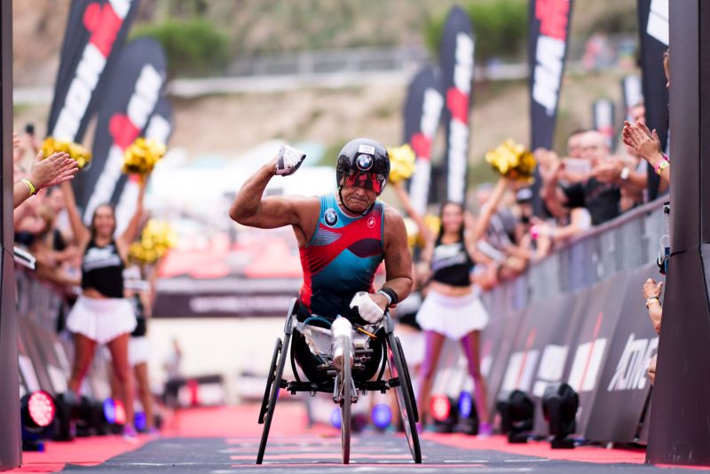 Alex Zanardi, 8:58:59! Che impresa all'Ironman Barcelona!