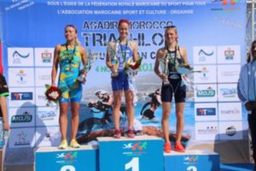 La svedese Amanda Bohlin vince l'Agadir ATU Triathlon African Cup 2017, davanti all'ucraina Yuliya Yelistratova e alla ceca Petra Kurikova (Foto ©Viviane's Logbooklet)