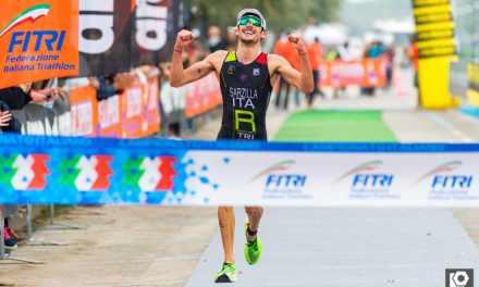 Michele Sarzilla Tricolore di triathlon olimpico. Emozione Facchinetti, secondo