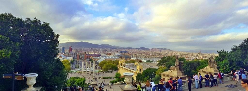 Dalla collina del Montjuïc, la vista della Font màgica di Barcellona