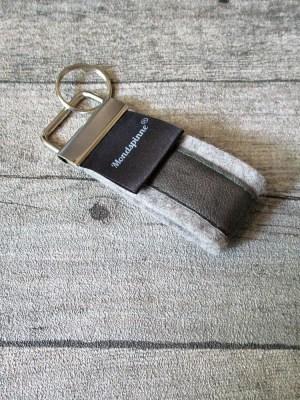 Schlüsselanhänger de luxe grau grün Wollfilz Leder - MONDSPINNE