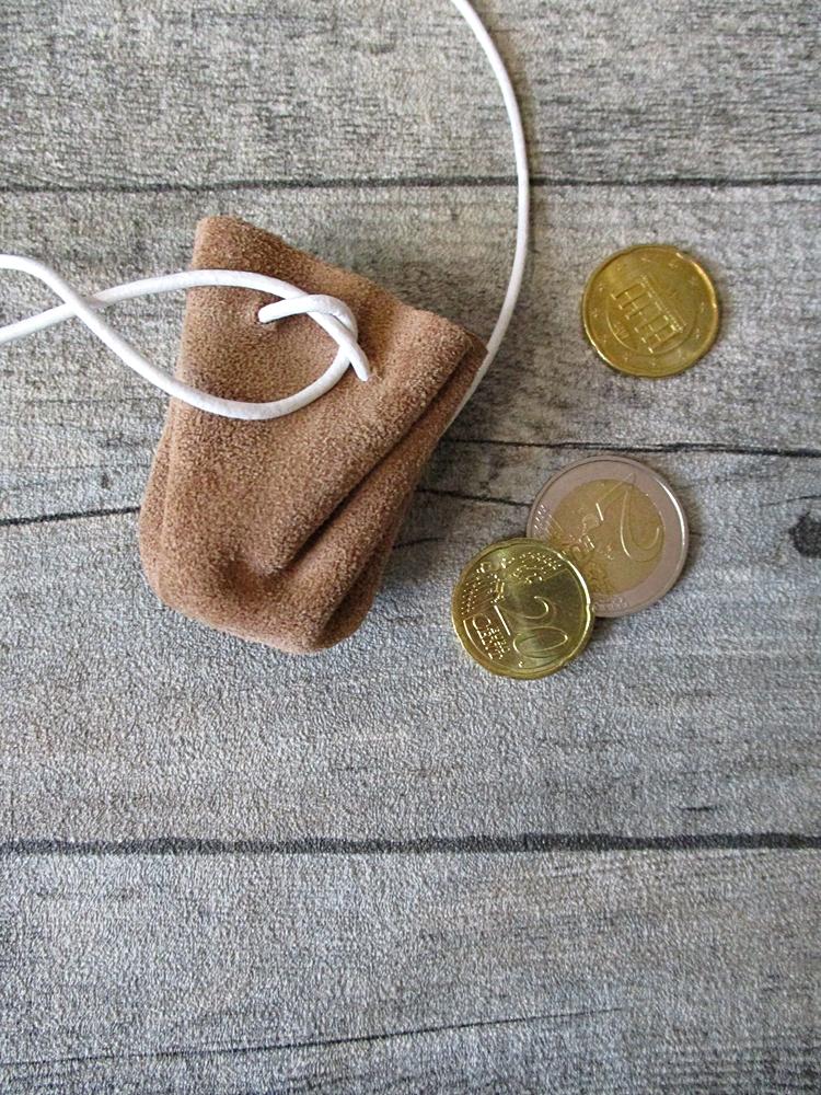 Mini-Lederbeutel beige weiß Rindswildleder - MONDSPINNE