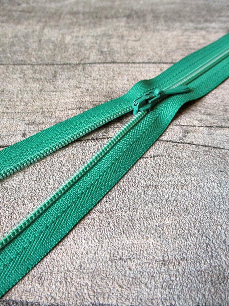 Reißverschluss grasgrün 18 cm lang 22 mm breit YKK - MONDSPINNE