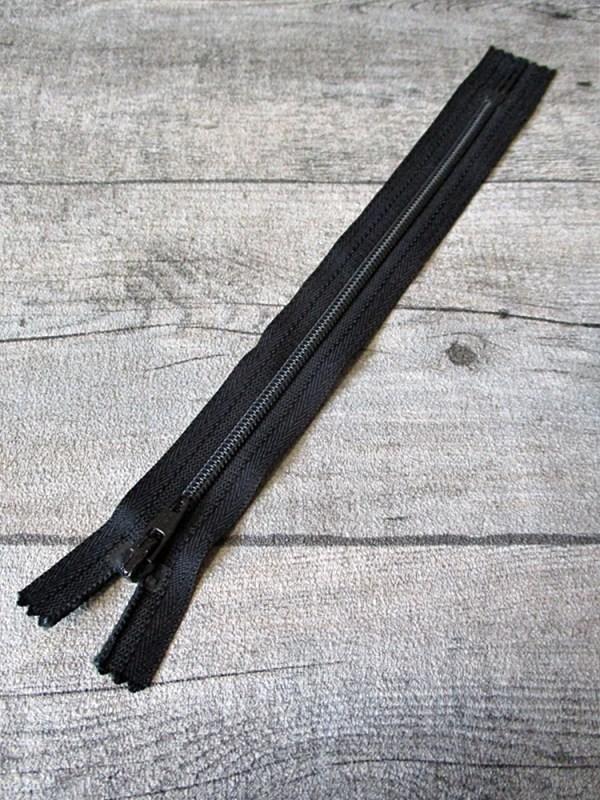 Reißverschluss schwarz 18 cm lang 22 mm breit YKK - MONDSPINNE