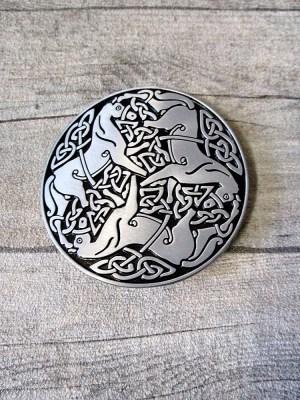 Gürtelschnalle Metallschließe Buckle silber schwarz Metall rund keltisch Pferde - MONDSPINNE