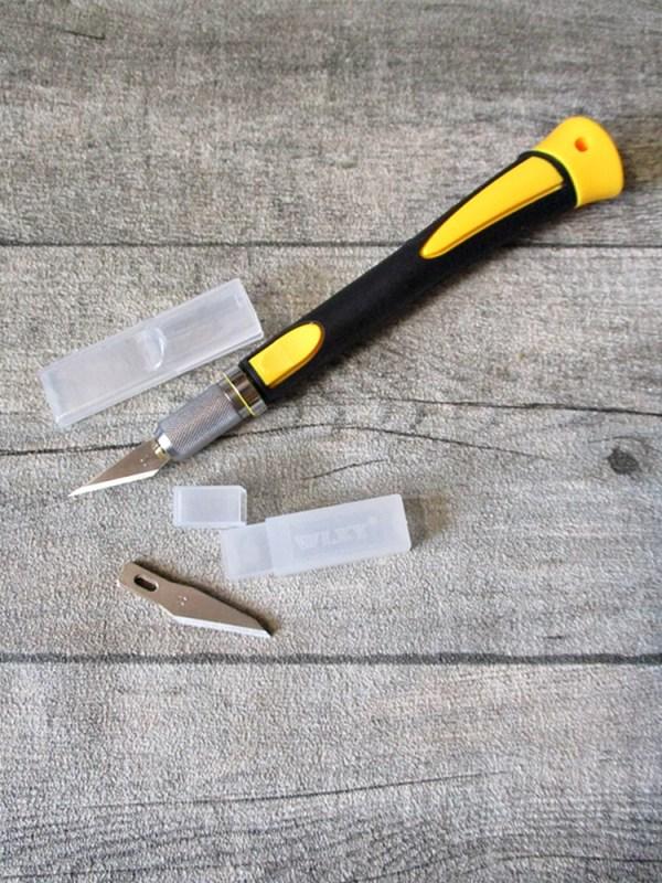 Messer Cutter Scalpell Skalpell schwarz gelb Kunststoff Metall mit 5 Ersatzklingen - MONDSPINNE