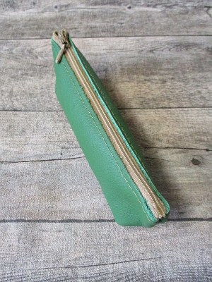 Federmäppchen Stiftemäppchen Federtasche mit Boden grün-beige Leder - MONDSPINNE