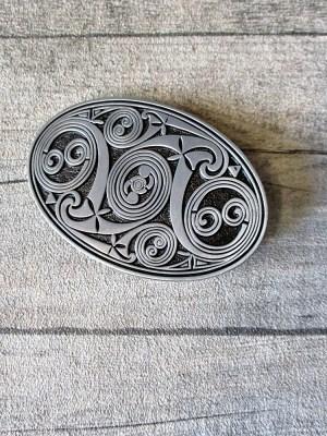 Gürtelschnalle Metallschließe Buckle silber schwarz oval Kreise keltisch - MONDSPINNE