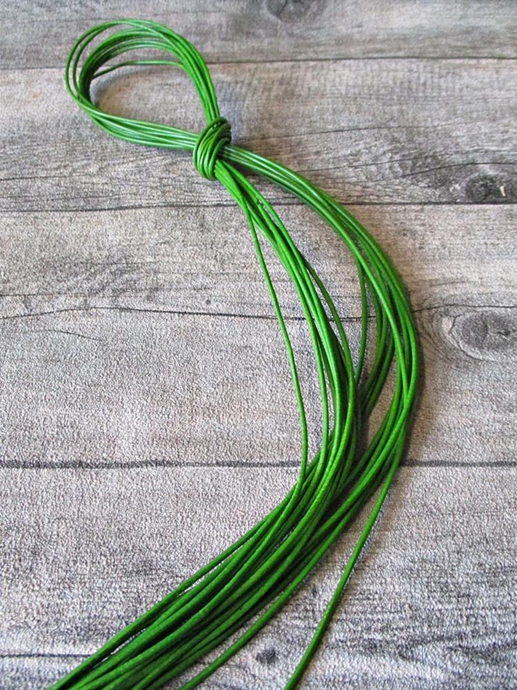 Lederband Lederriemen Ziegenleder rund hellgrün 1 m 1,5 mm - MONDSPINNE