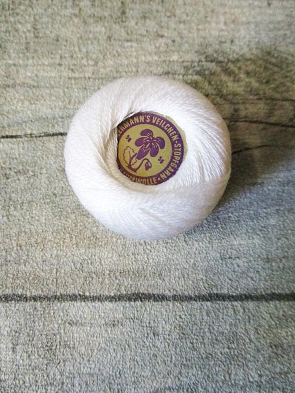 Veilchen-Stopfgarn Ackermann Baumwolle 20m 10g wollweiß - MONDSPINNE