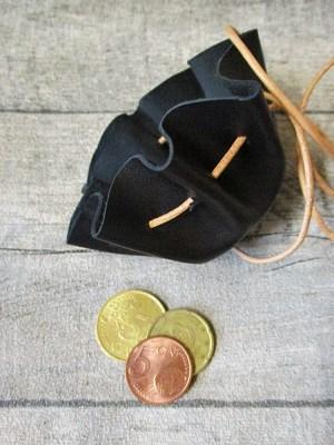 Mini-Lederbeutel schwarz natur Schafleder - MONDSPINNE