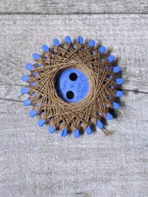 Baumwollzwirn Zwirn gewachst 20 m reißfest farbecht Nm3 3fach NEWO braun - MONDSPINNE