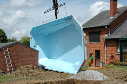estimer le prix d une piscine coque pour un devis au millimetre monequerre fr
