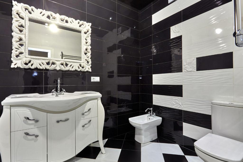 bains noire et blanche monequerre