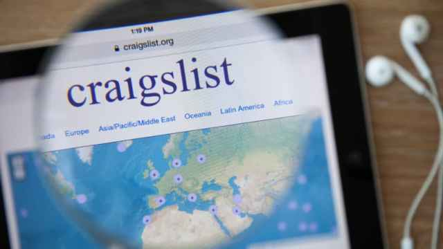 Craigslist Tablet Magnifying Glass Buy Sell Map Location