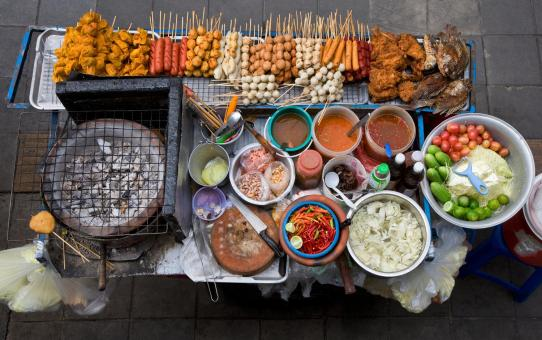 Why and how to eat street food