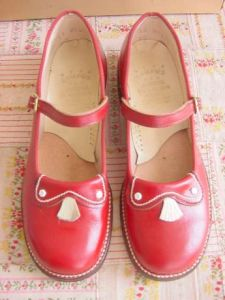 make money collecting vintage shoes